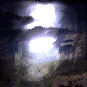 Eine dunkle Höhle mit einer blendend hellen Öffnung.