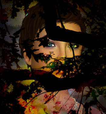 Eine Frau steht hinter einem Baum und schaut durch die Äste hindurch.